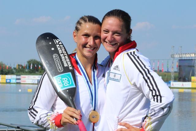 Sabrina Hering (links) hier bei ihrem größten Erfolg dem U23 WM-Titel im K2 500m ©AMR